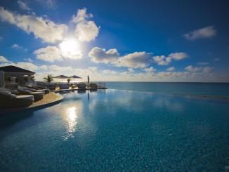 infinity-ocean-side-pool