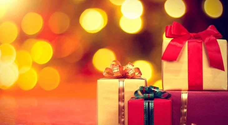 Stores That Gift-Wrap for Free or for a Low Fee